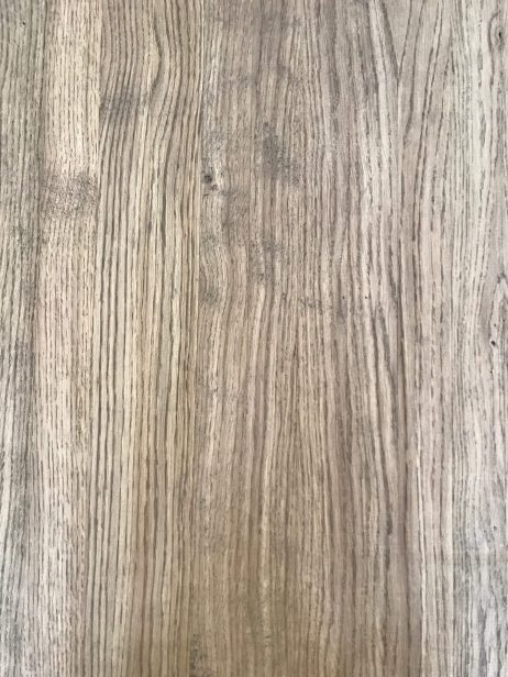 Massiv Egetræsbordplade i rustikt udtryk
